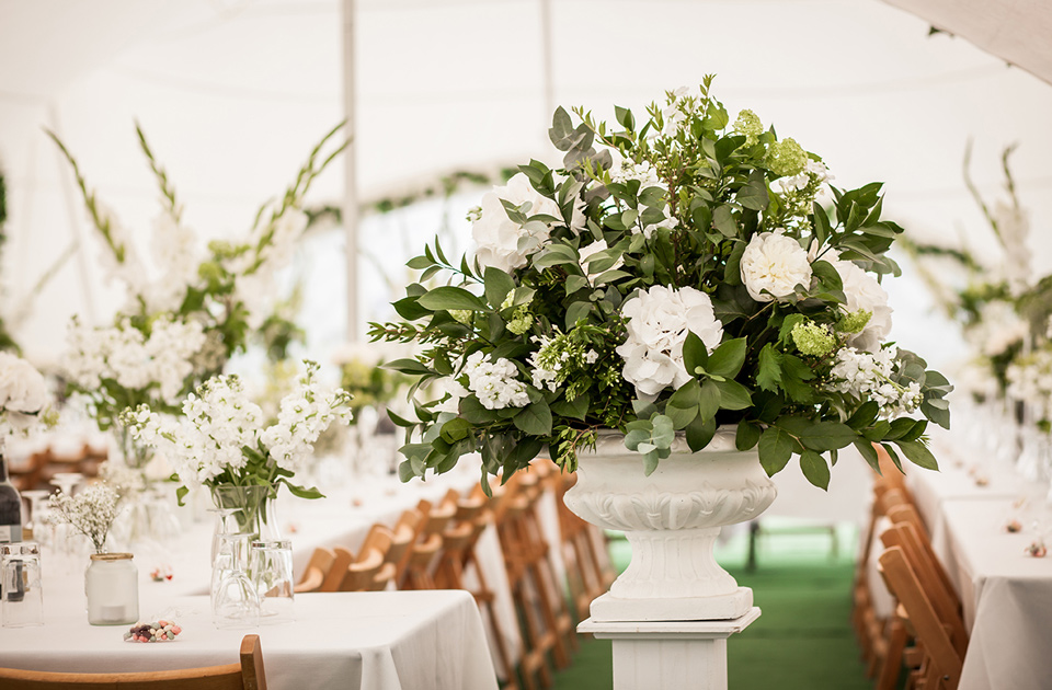Stephanie Saunders Luxury Floral Design, Gemma and Colin's wedding, Stefanie Calleja-Gera, Friars Court